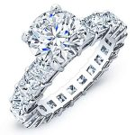 Kalina – Round With Sidestones Diamond Ring