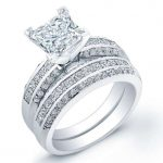 Crocus – Princess With Sidestones Diamond Wedding Set