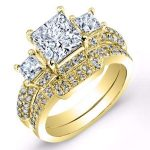 Daffodil – Princess With Sidestones Diamond Wedding Set
