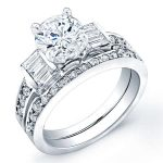 Daisy – Round With Sidestones Diamond Wedding Set