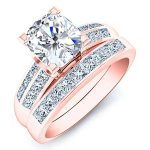 Heather – Cushion With Sidestones Diamond Wedding Ring