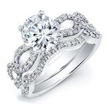Camellia – Round With Sidestones Diamond Wedding Set