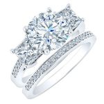 Dietes – Round With Sidestones Diamond Wedding Set