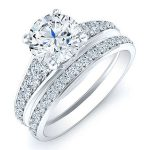 Holly – Round With Sidestones Diamond Wedding Set